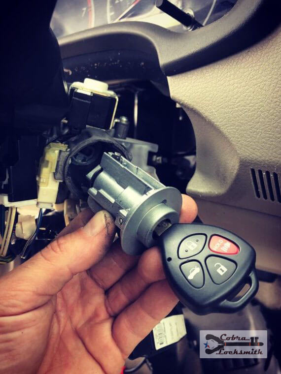 Toyota Corolla ignition fix and new remote key made on the spot for a customer of our in Austin