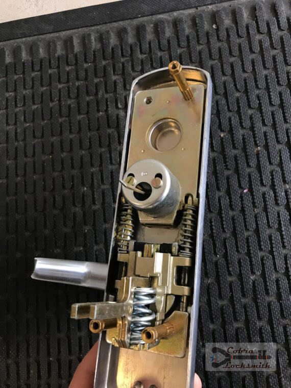 office lockout and repair lock cylinder