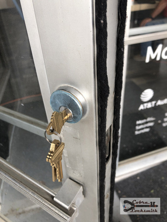Business locks rekey for mobile gadget store in Austin downtown area