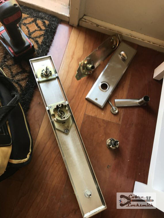 apartments lockout in austin with lock replacement